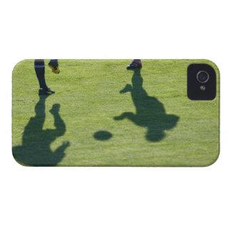 Jugadores de fútbol que hacen los taladros iPhone 4 protectores
