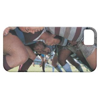 Jugadores de la unión del rugbi en un melé funda para iPhone SE/5/5s