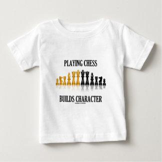 Jugar a ajedrez construye el carácter (el ajedrez polera