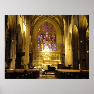 Jugar el piano en poster de la iglesia