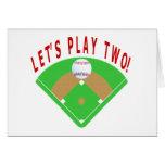 Juguemos dos camisetas y regalos del béisbol tarjetas