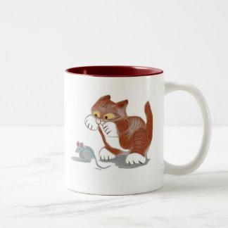 Juguete del gatito y del ratón taza de café de dos colores
