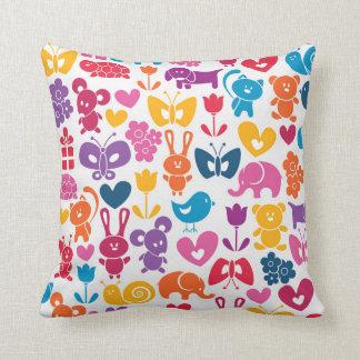 juguetes lindos de los niños almohada
