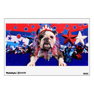 July 4th - Bulldog - Delilah Room Decal