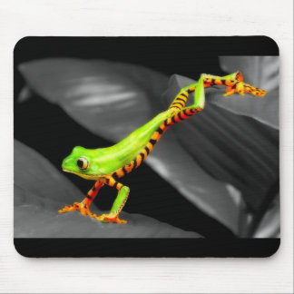 Jumping Tree Frog Mouse Pad