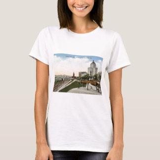 Juneau Park Milwaukee Wisconsin Vintage T-Shirt