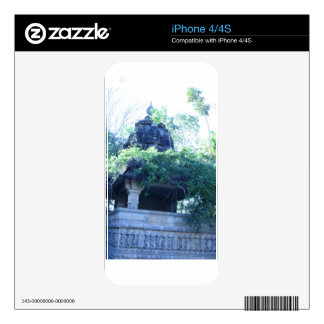 Jungle Building iPhone 4 Decal