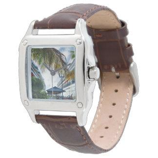 Junto a las naves en Nassau Reloj De Mano