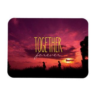 Junto para siempre pares en puesta del sol del imán flexible