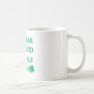 Juro para ir yo soy a medias irlandés taza