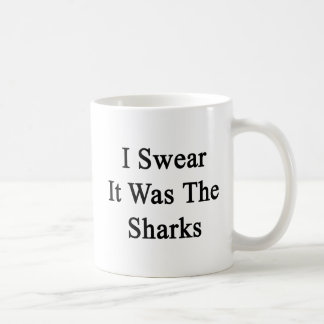 Juro que era los tiburones taza básica blanca