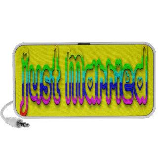 Just Married 2.0 Mp3 Speaker