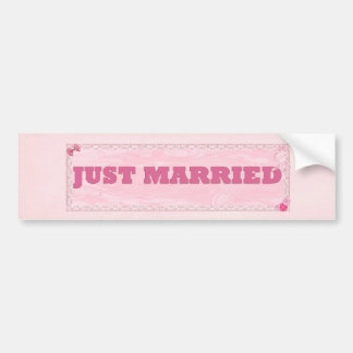 Just married Bumper sticker with hearts and flower
