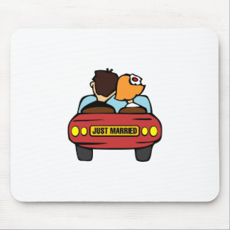 Just Married Car and Couple Mouse Pad