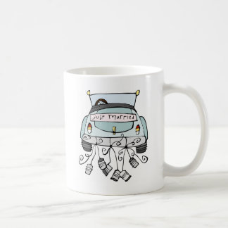 Just married car dragging cans coffee mug