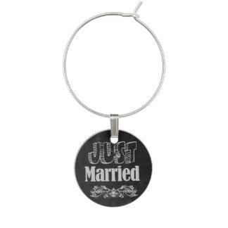 Just Married Chalkboard Style Wine Charm
