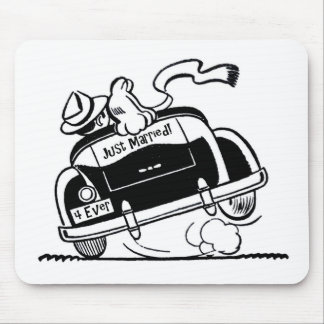 Just Married Couple in Car Mouse Pad