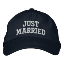 JUST MARRIED EMBROIDERED BASEBALL HAT