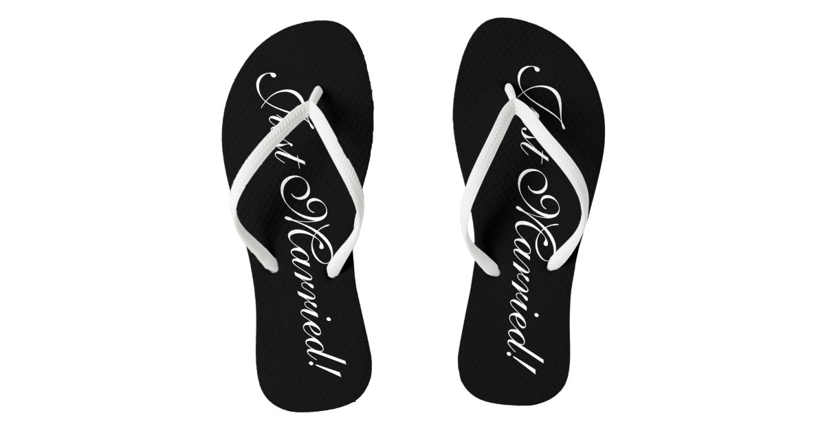 f334cf89e79137 Just Married flip flops for bride and groom couple