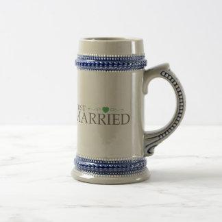 Just Married (Green Heart Scroll) Mug