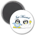 Just Married Penguins 3 Inch Round Magnet