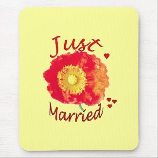 """""""Just Married"""" Poppy Mousepad"""