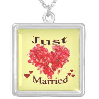 """""""Just Married"""" Red Hearts Necklace"""