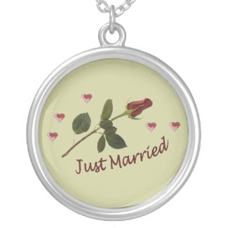 """""""Just Married"""" Red Rose and Hearts Necklace"""