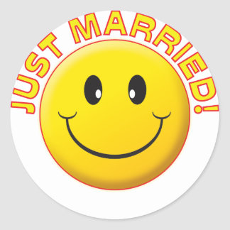 Just Married Smile Classic Round Sticker