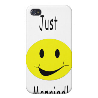 Just Married Smiley Case For iPhone 4