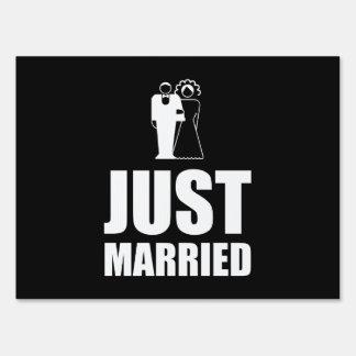 Just Married Wedding Bride Groom Yard Sign