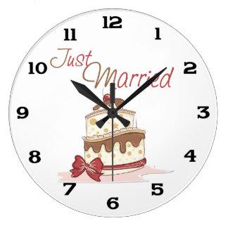 Just Married Wedding Cake Clock