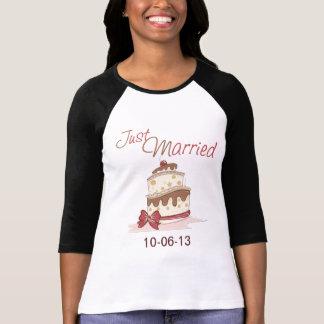 Just Married Wedding Cake Tee Shirt