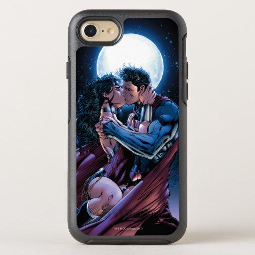 Justice League #12 Wonder Woman & Superman Kiss OtterBox Symmetry iPhone SE/8/7 Case