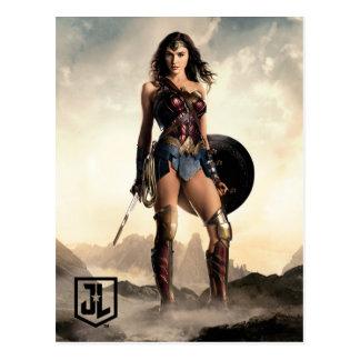 Justice League   Wonder Woman On Battlefield Postcard