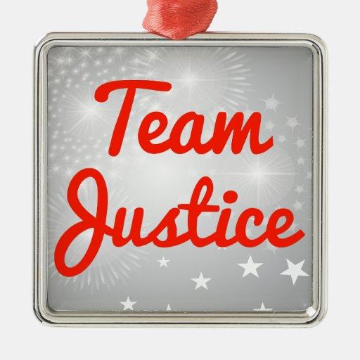 Justicia del equipo adorno cuadrado plateado