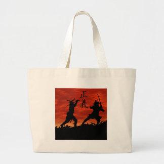 Justicia del samurai bolsas de mano