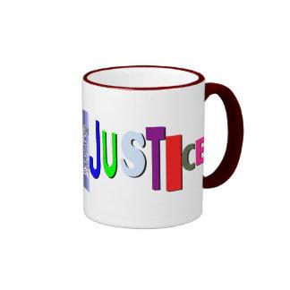 Justicia en taza del color