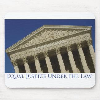 Justicia igual bajo ley mouse pad