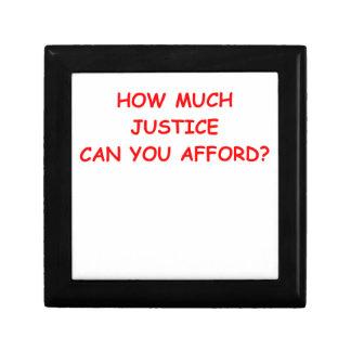 justicia joyero cuadrado pequeño