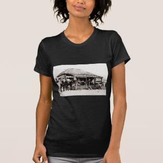 Juzgue corte del oeste del vintage de la haba de R Camisetas