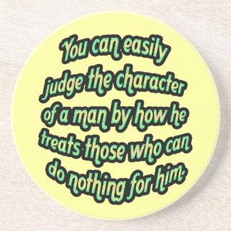 Juzgue el carácter de un hombre posavasos diseño