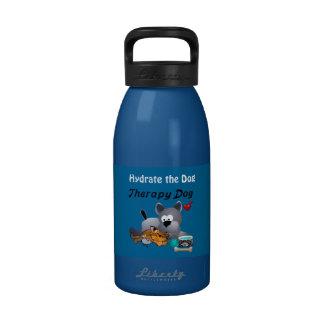 K9 apagan el hidrato de la botella de agua su perr