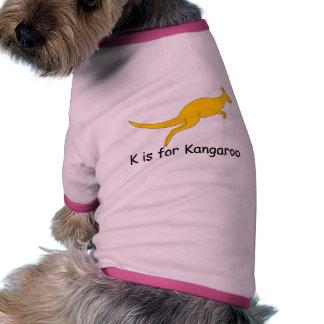 K está para el canguro camiseta de perro