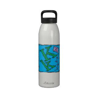 K está para la cometa 2 botellas de agua reutilizables