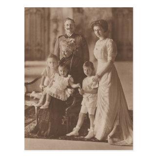 KAISER Wilhelm II & daughter & grandchildren #041D Postcard