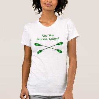 Kajak afortunado de sensación camisetas