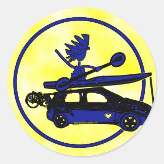 Kajak, bici, coche en azul pegatina redonda