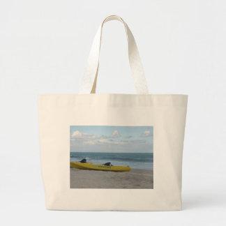 Kajak del océano el al frente de las quejas bolsa de mano