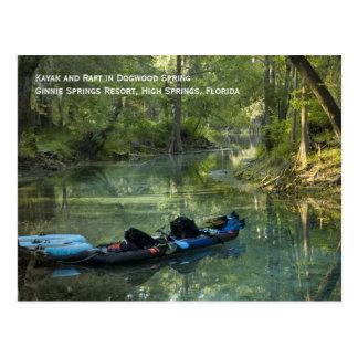 Kajak en postal de la primavera